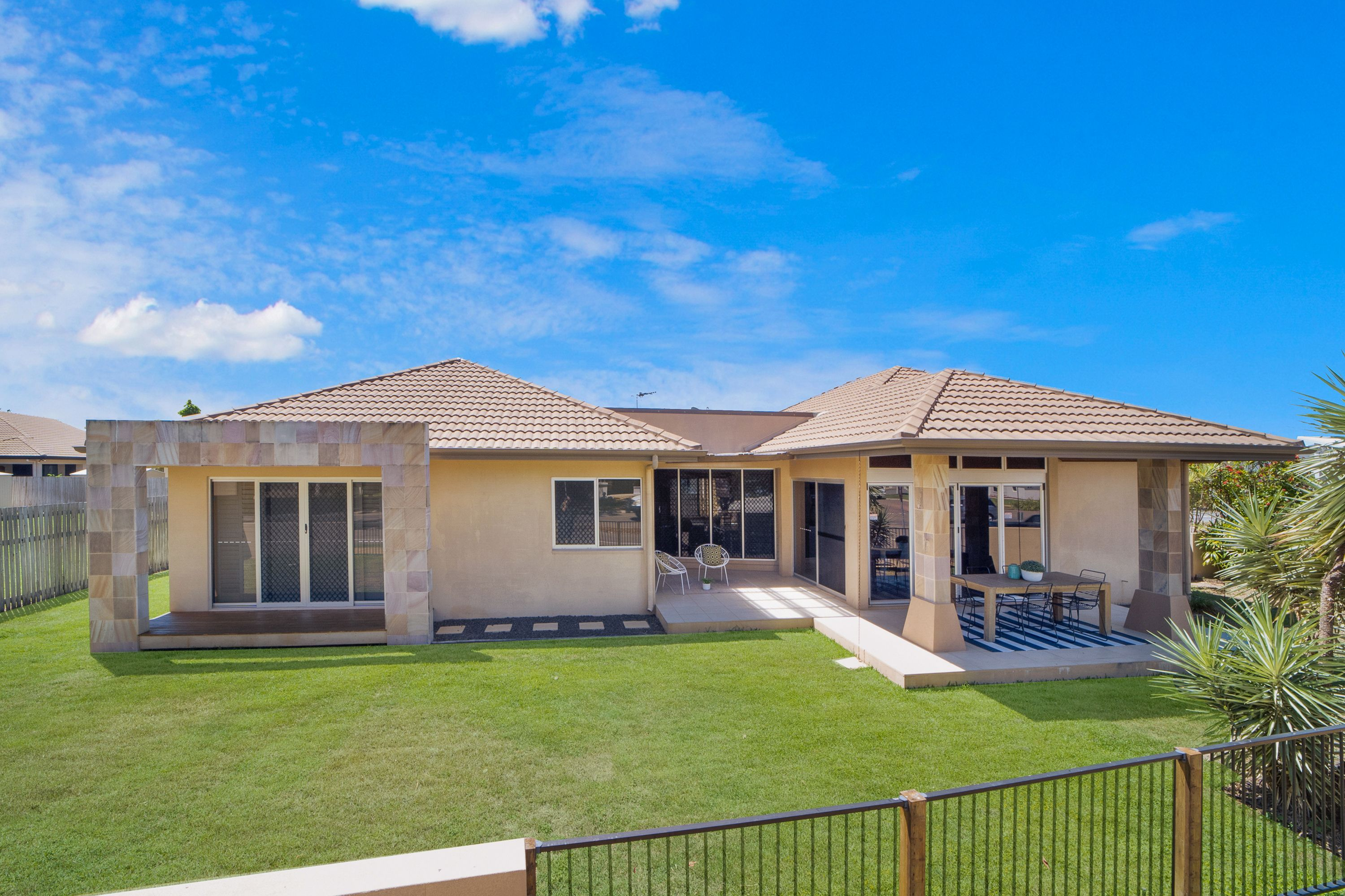 1 Mannikin Way, Bohle Plains, QLD 4817