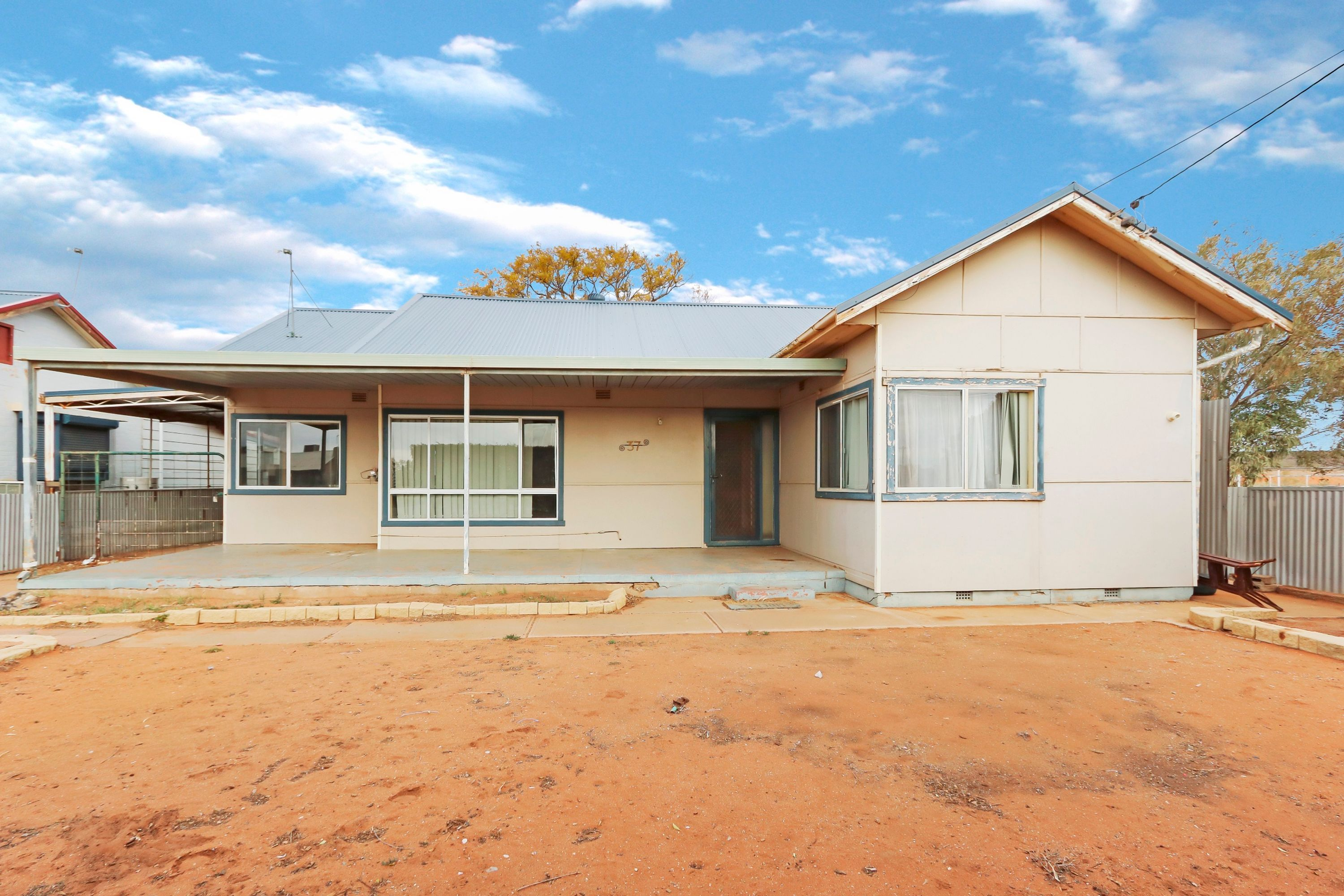 37 Gaffney Street, Broken Hill, NSW 2880