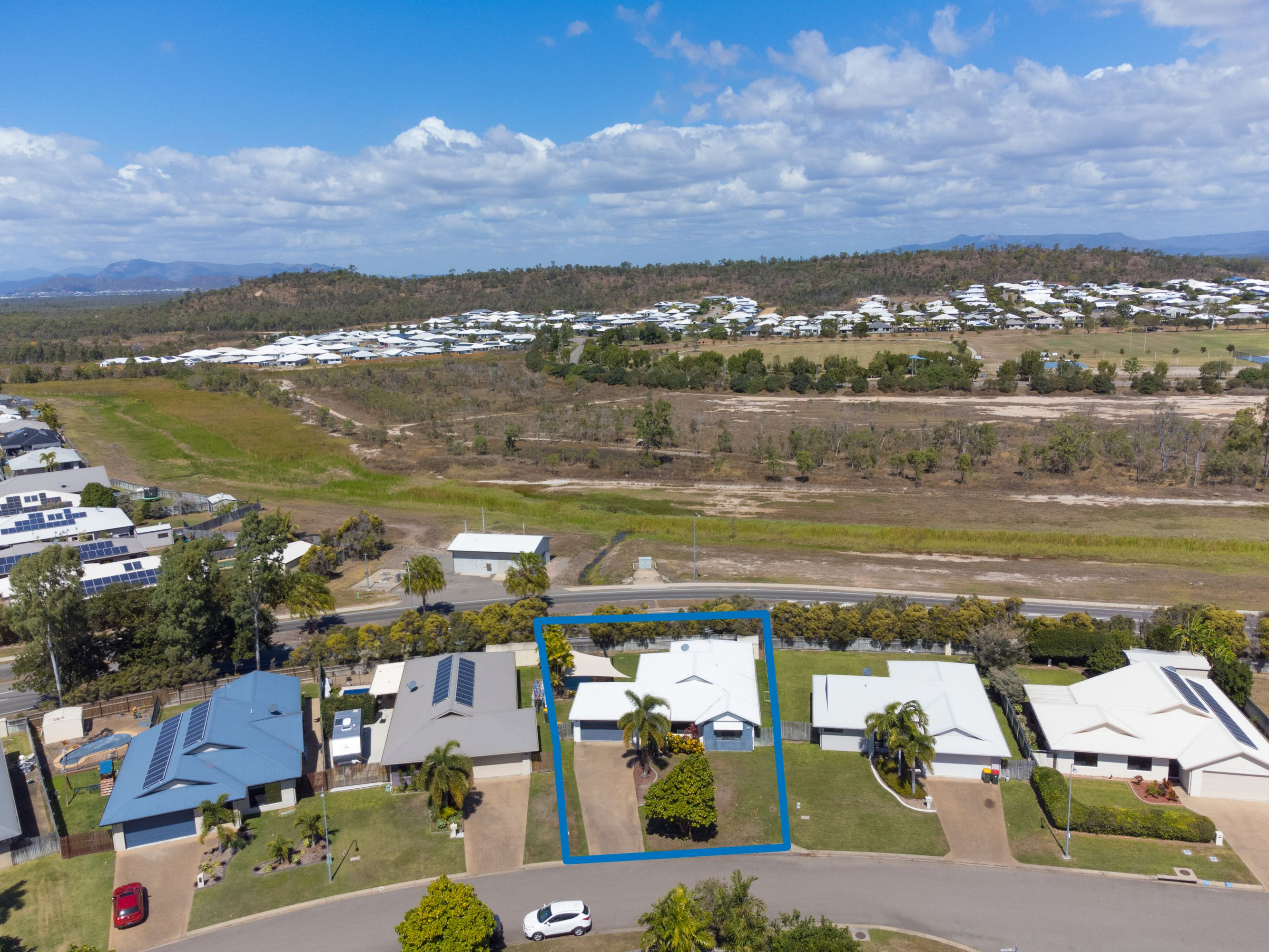 12 Seabrook Circuit, Bushland Beach, QLD 4818