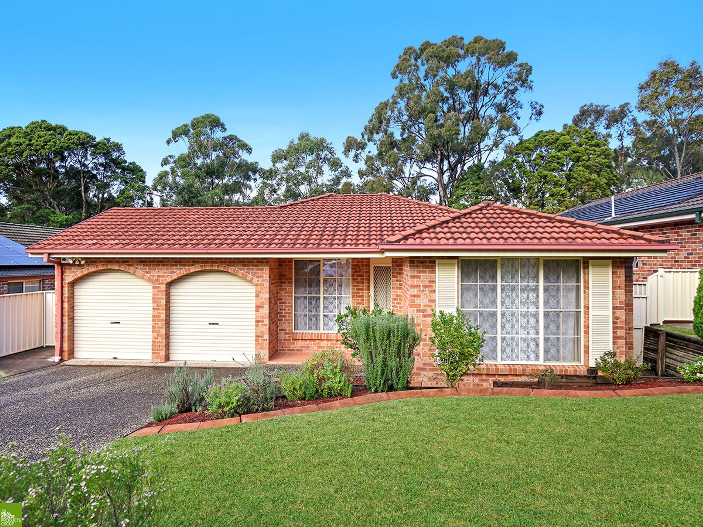 13 Dunstable Road, Farmborough Heights, NSW 2526