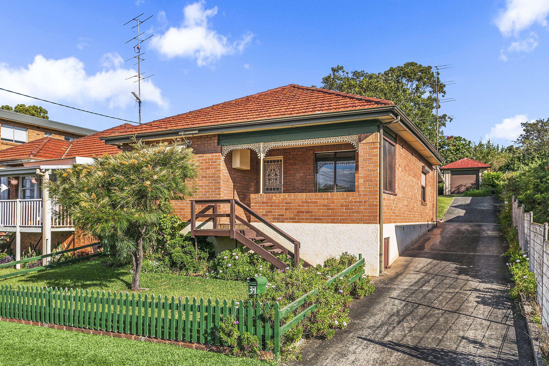 31 Heaslip Street, Coniston, NSW 2500