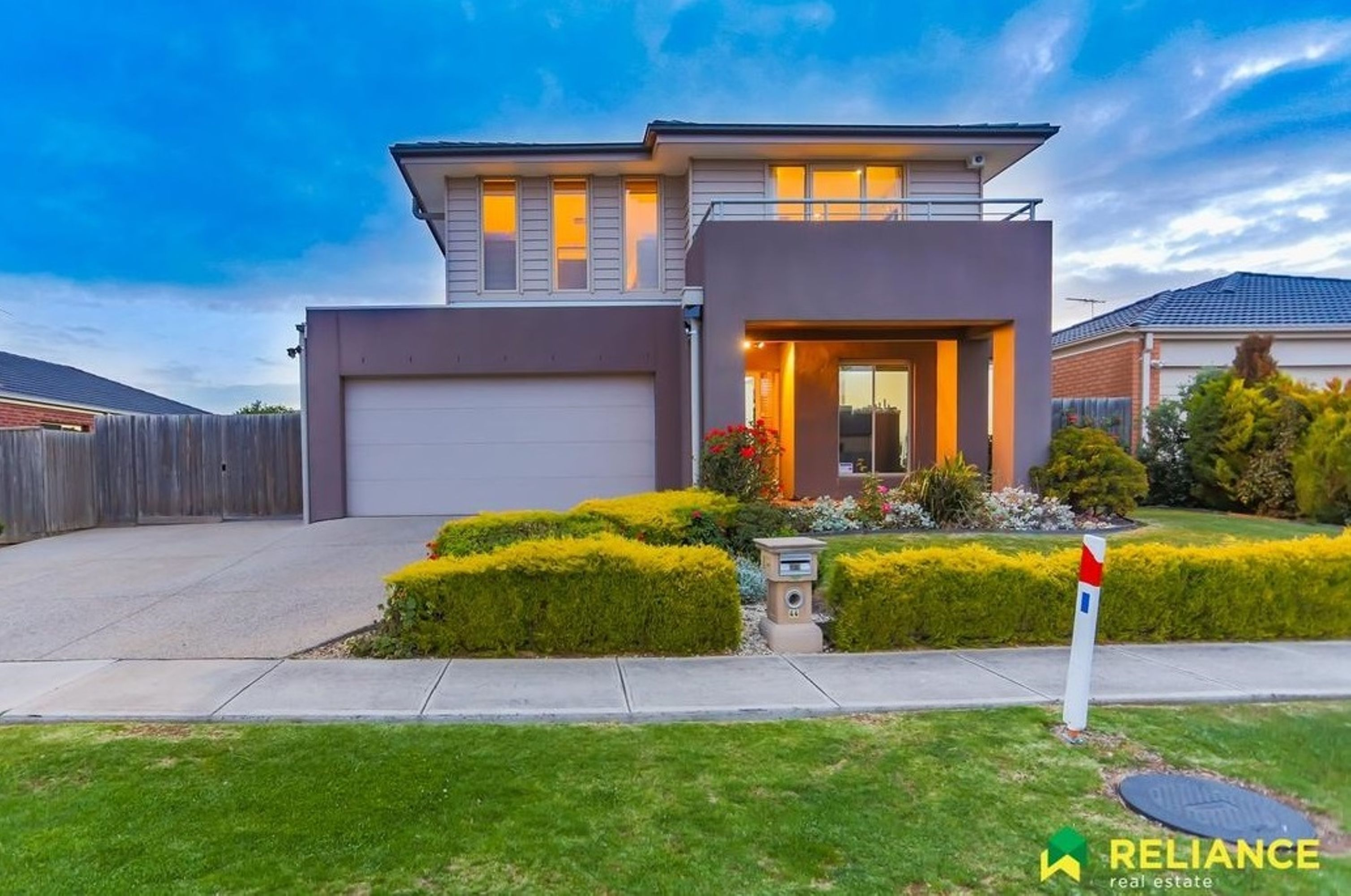 Distinctively Contemporary;44 Cooinda Way, Point Cook