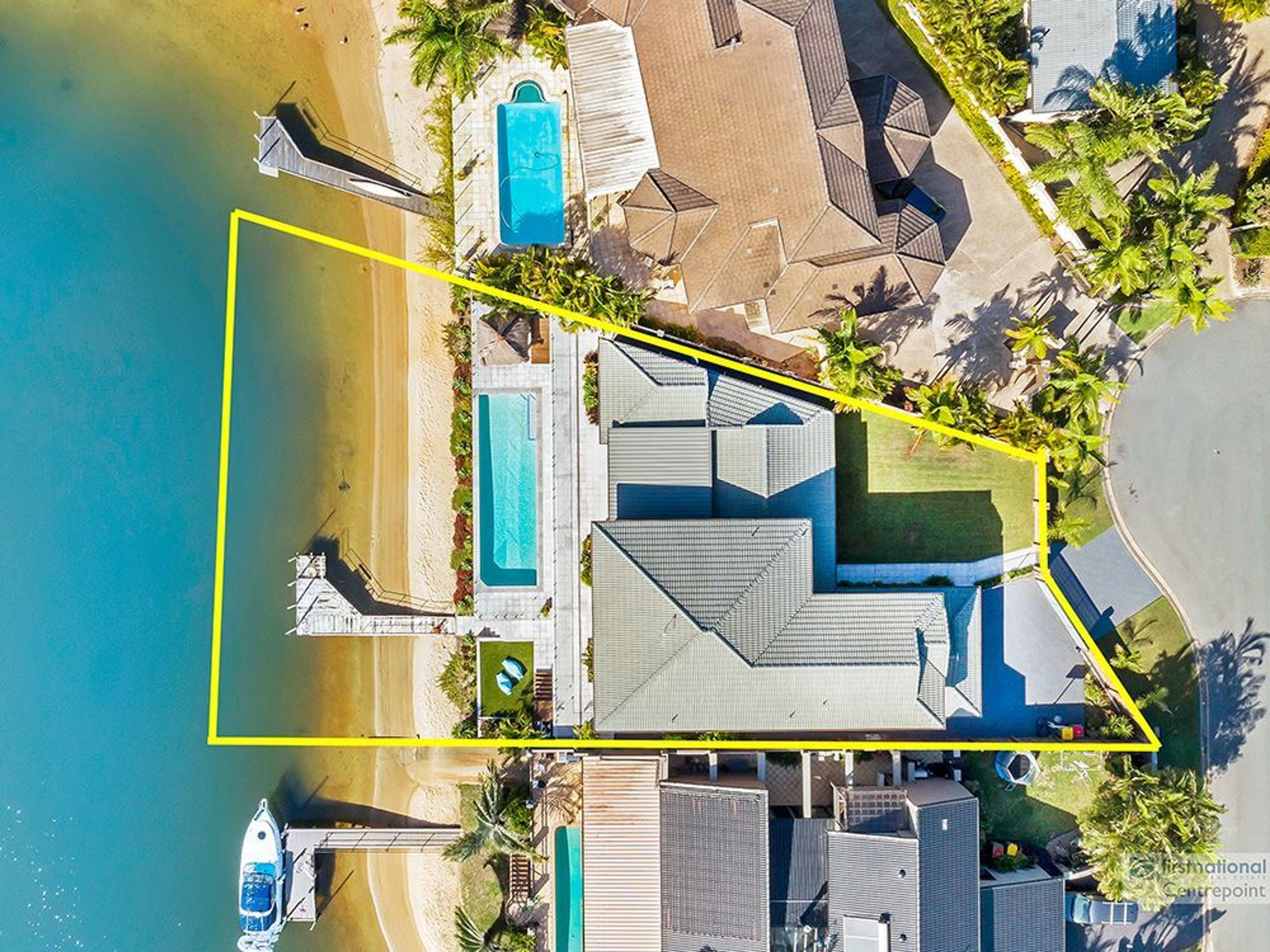 92 Waitomo Street, Broadbeach Waters, QLD 4218