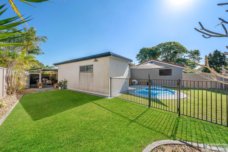 1/12 Eurimbula Street, Paradise Point, QLD 4216