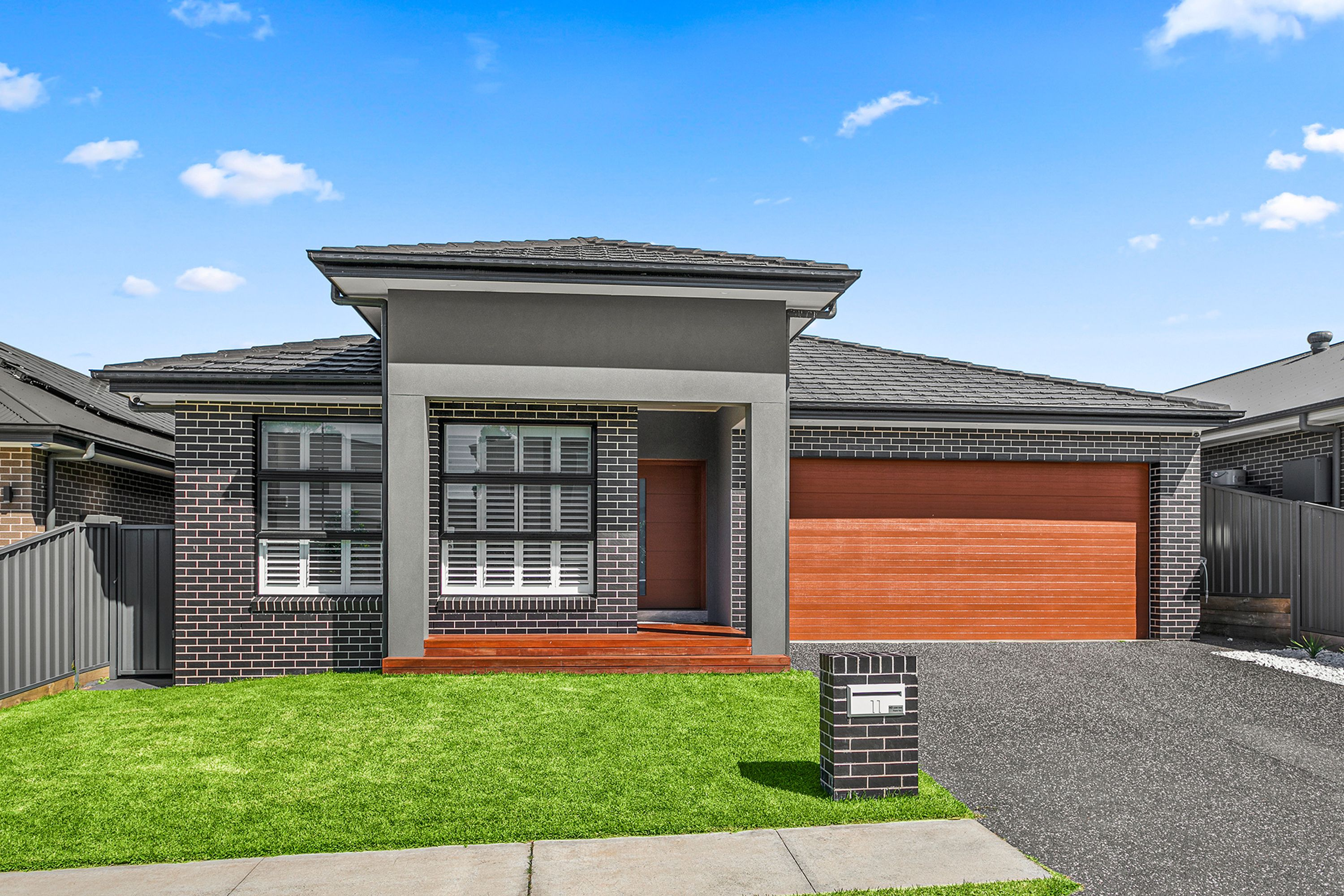 11 Saddleback Crescent, Kembla Grange, NSW 2526