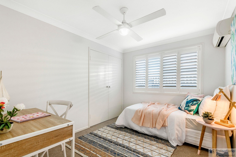 17 Peninsular Court, Mermaid Waters, QLD 4218