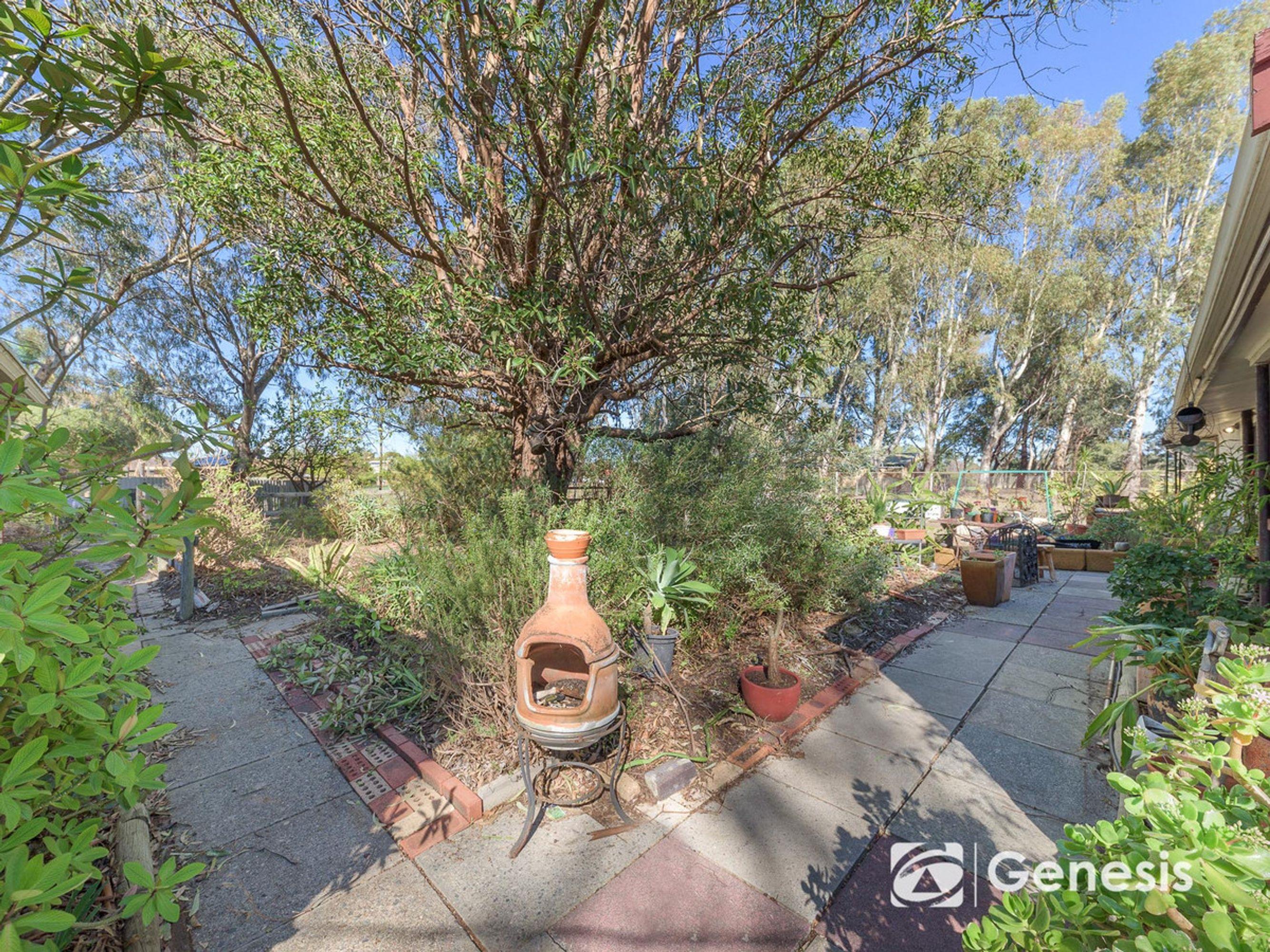 573 Lake Road, Seville Grove, WA 6112