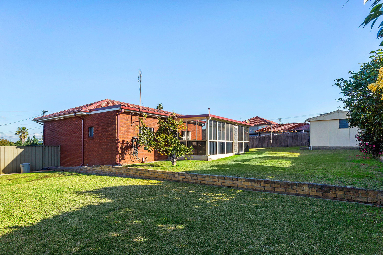 2 Dean Crescent, Ermington, NSW 2115