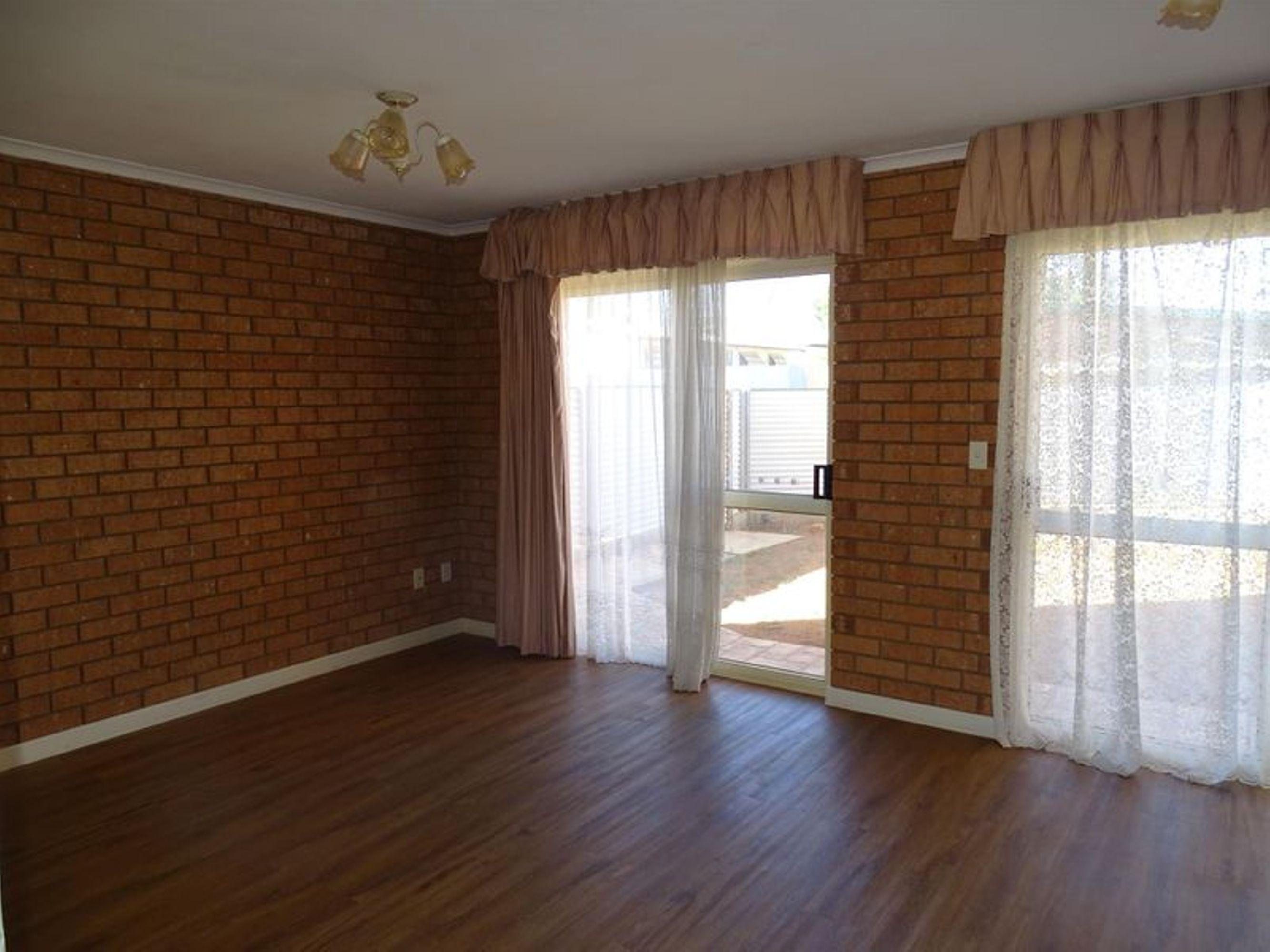 2/63 Silver Street, Broken Hill, NSW 2880