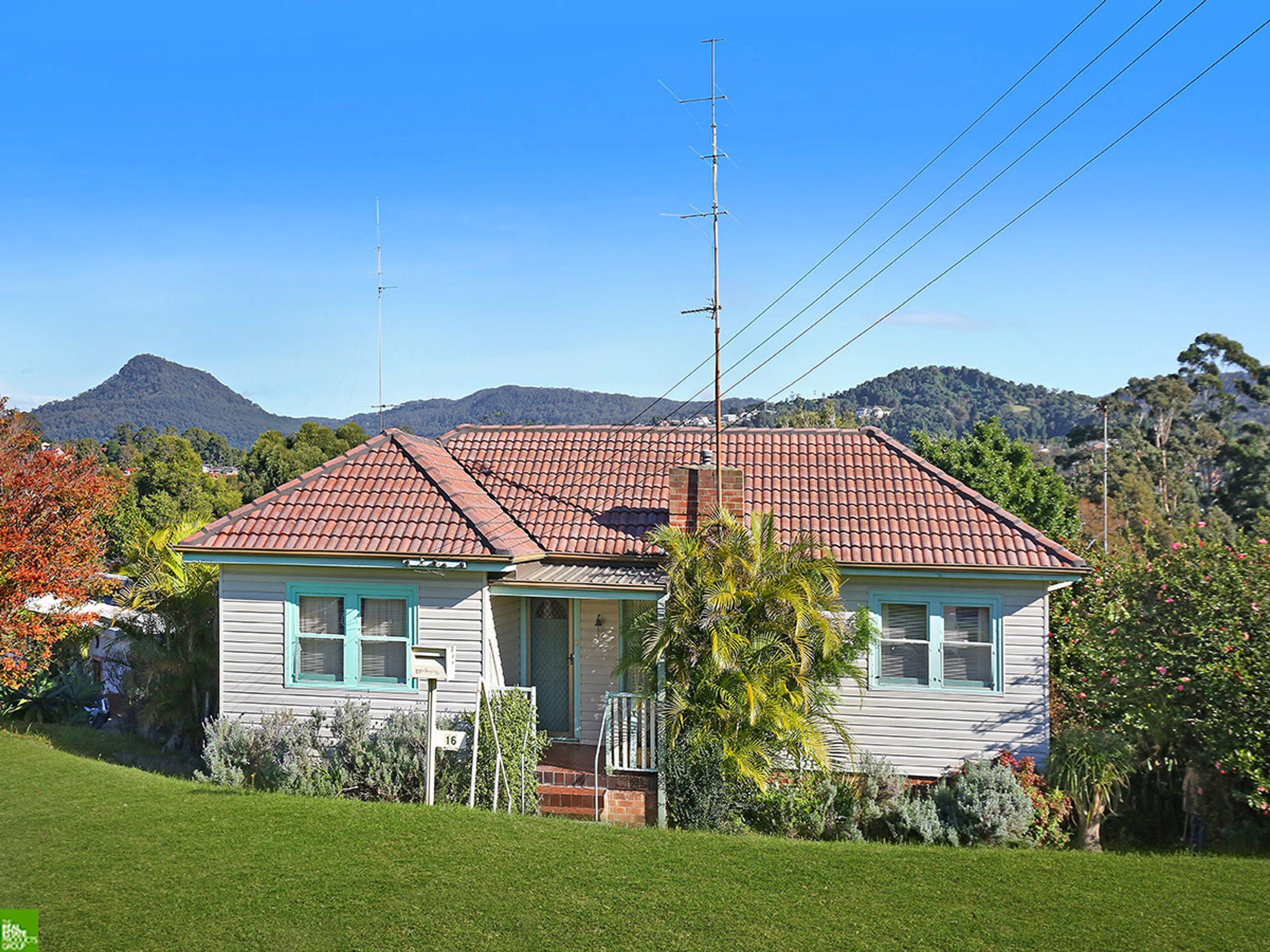 16 Bukari Street, West Wollongong, NSW 2500