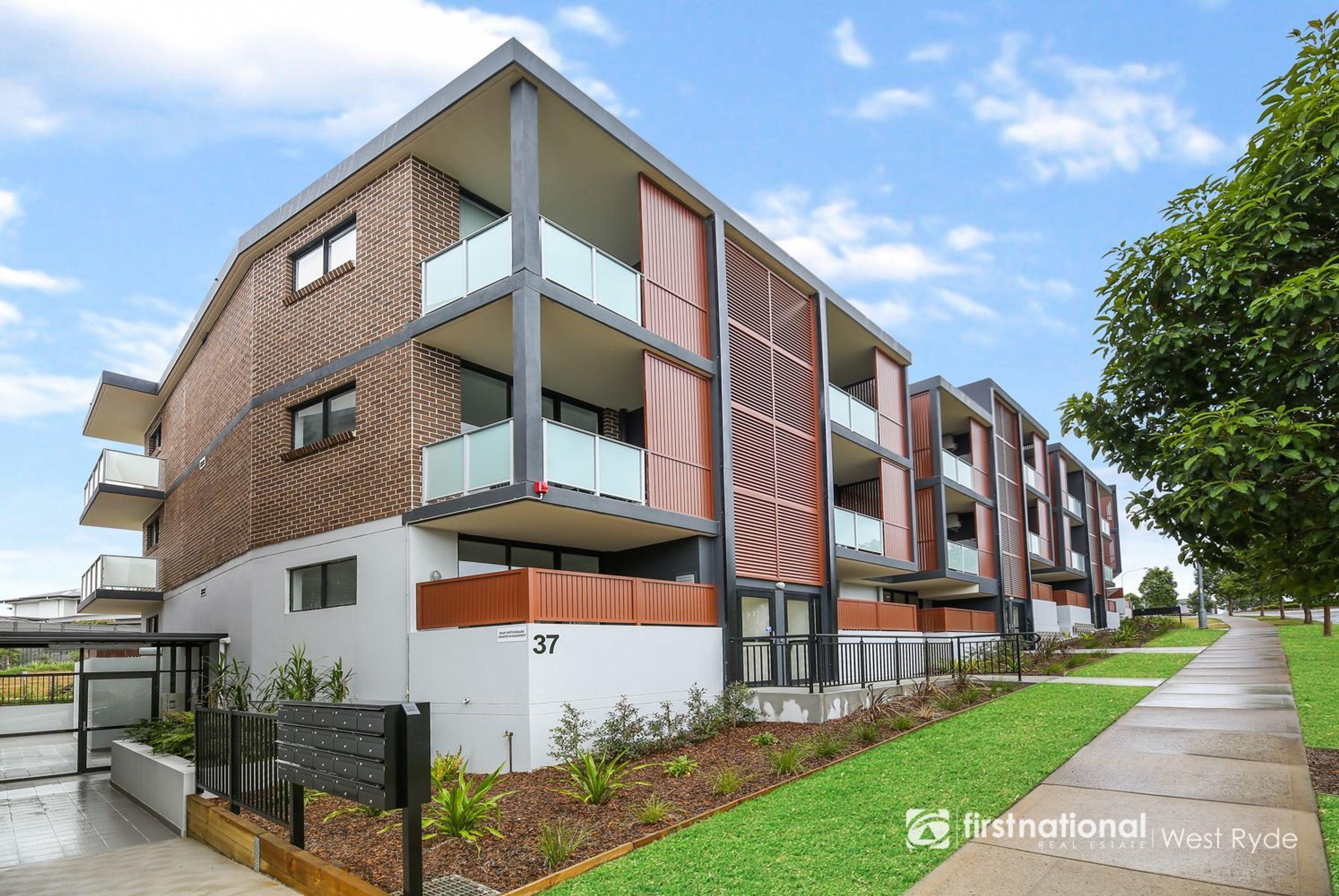 16/37 Bradley Street, Glenmore Park, NSW 2745
