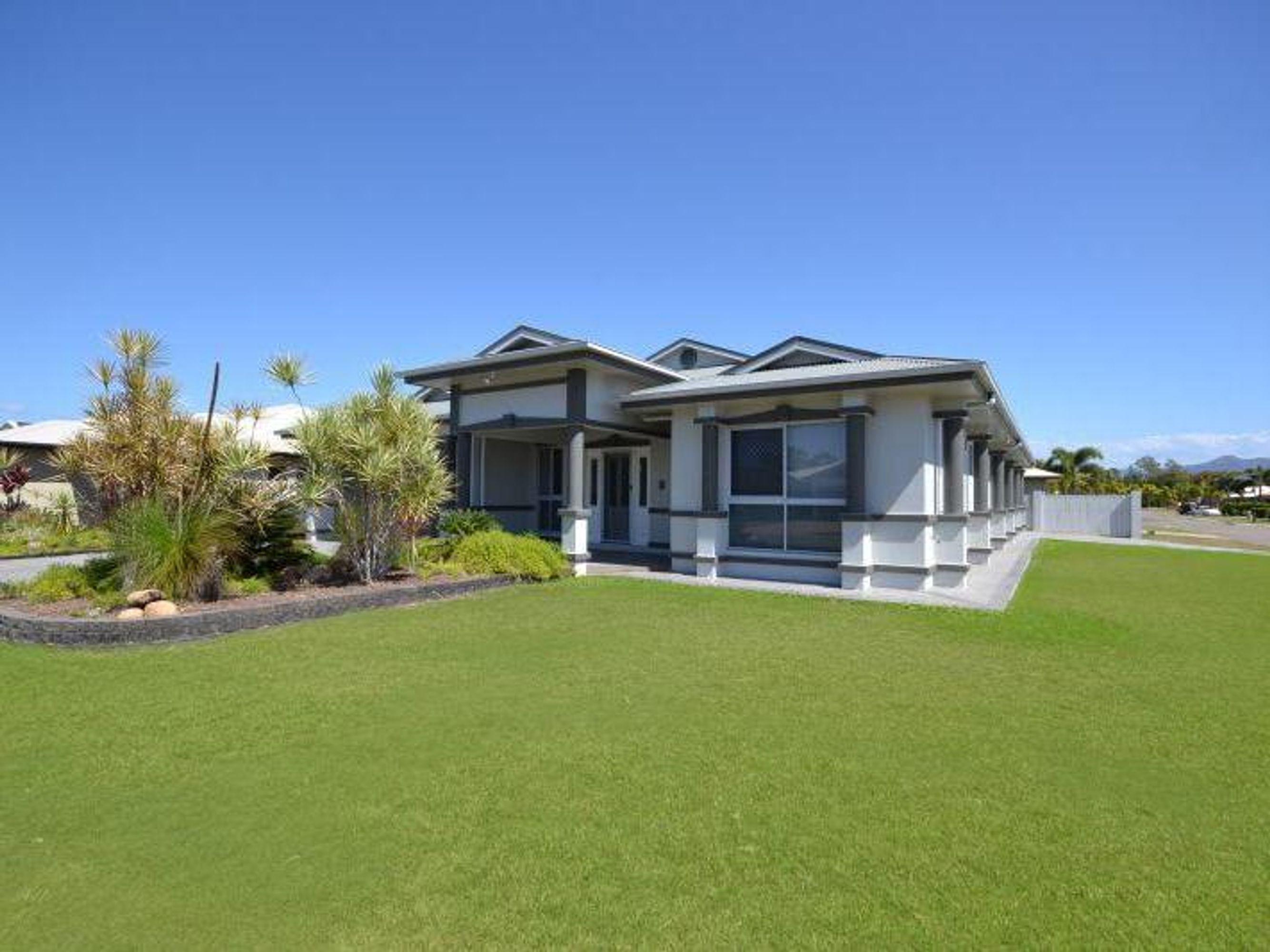 5 Riviera Circuit, Kirwan, QLD 4817
