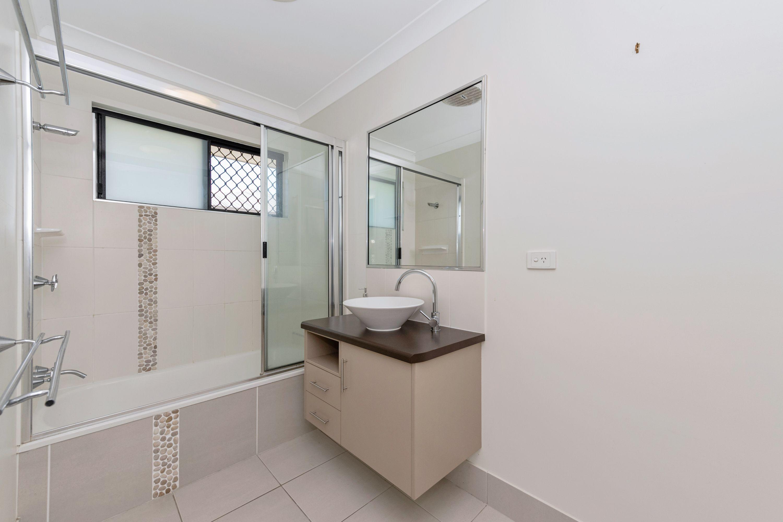 52 Kinnardy Street, Burdell, QLD 4818