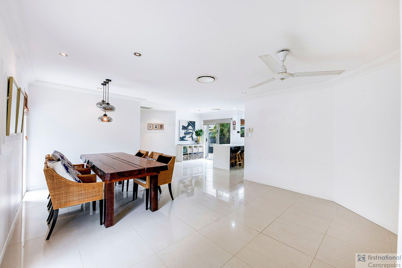 3 Woodshire Court, Carrara, QLD 4211