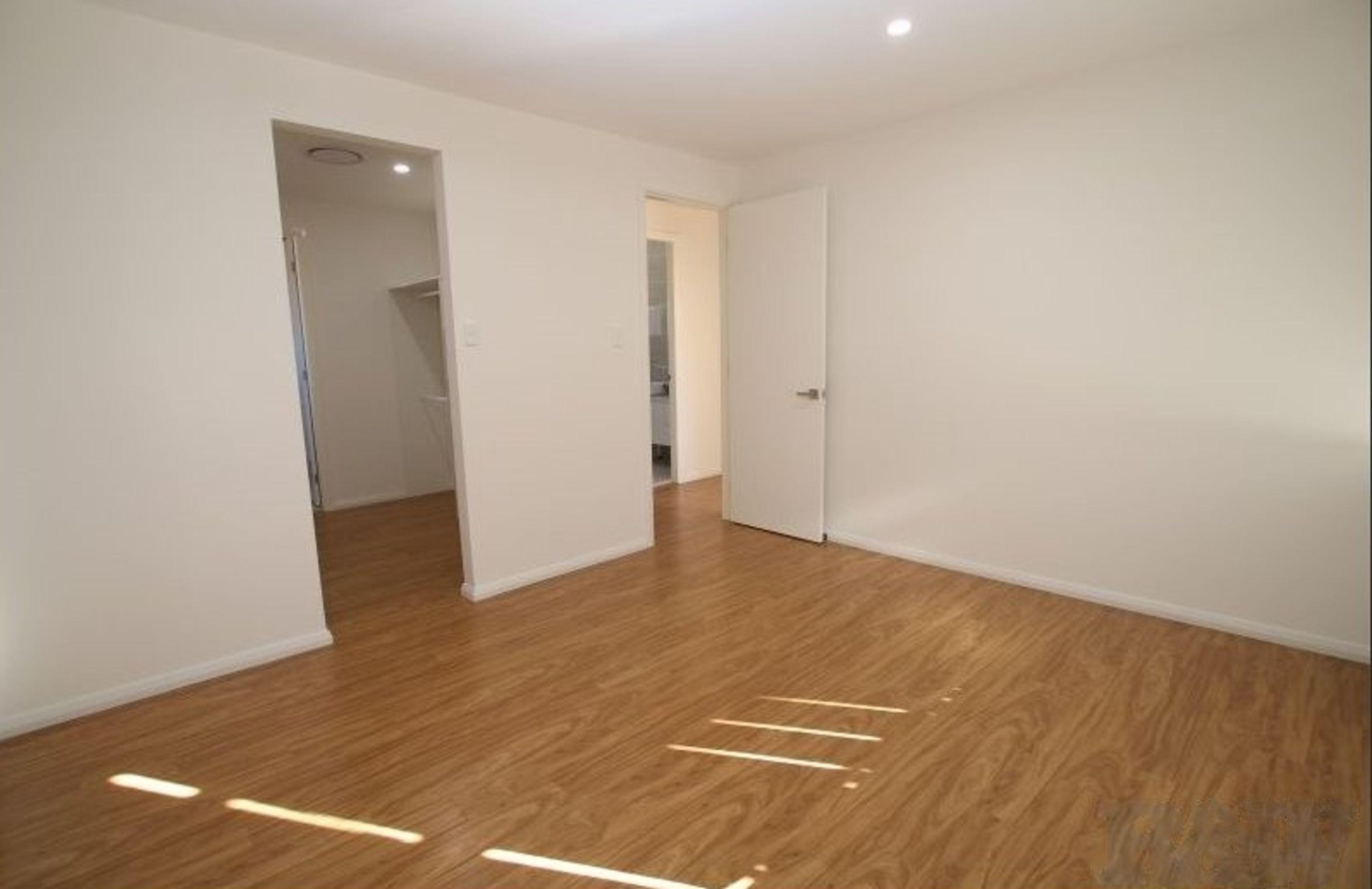 1 Peterpan, St Clair, NSW 2759