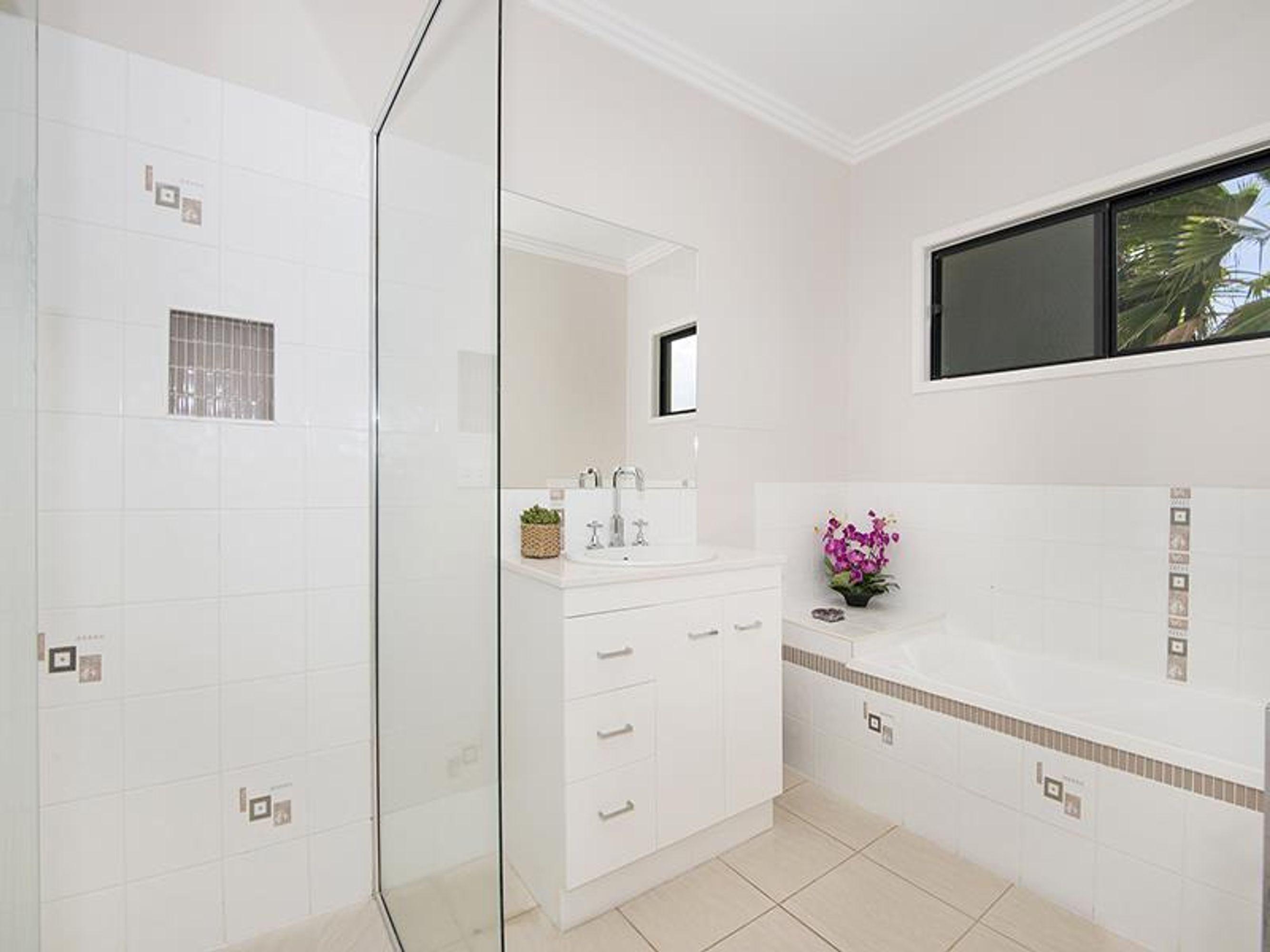 2 Chelsea Drive, Condon, QLD 4815