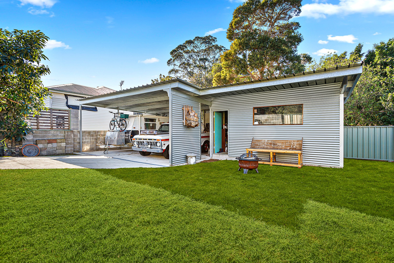 11 Robert Street, Woonona, NSW 2517