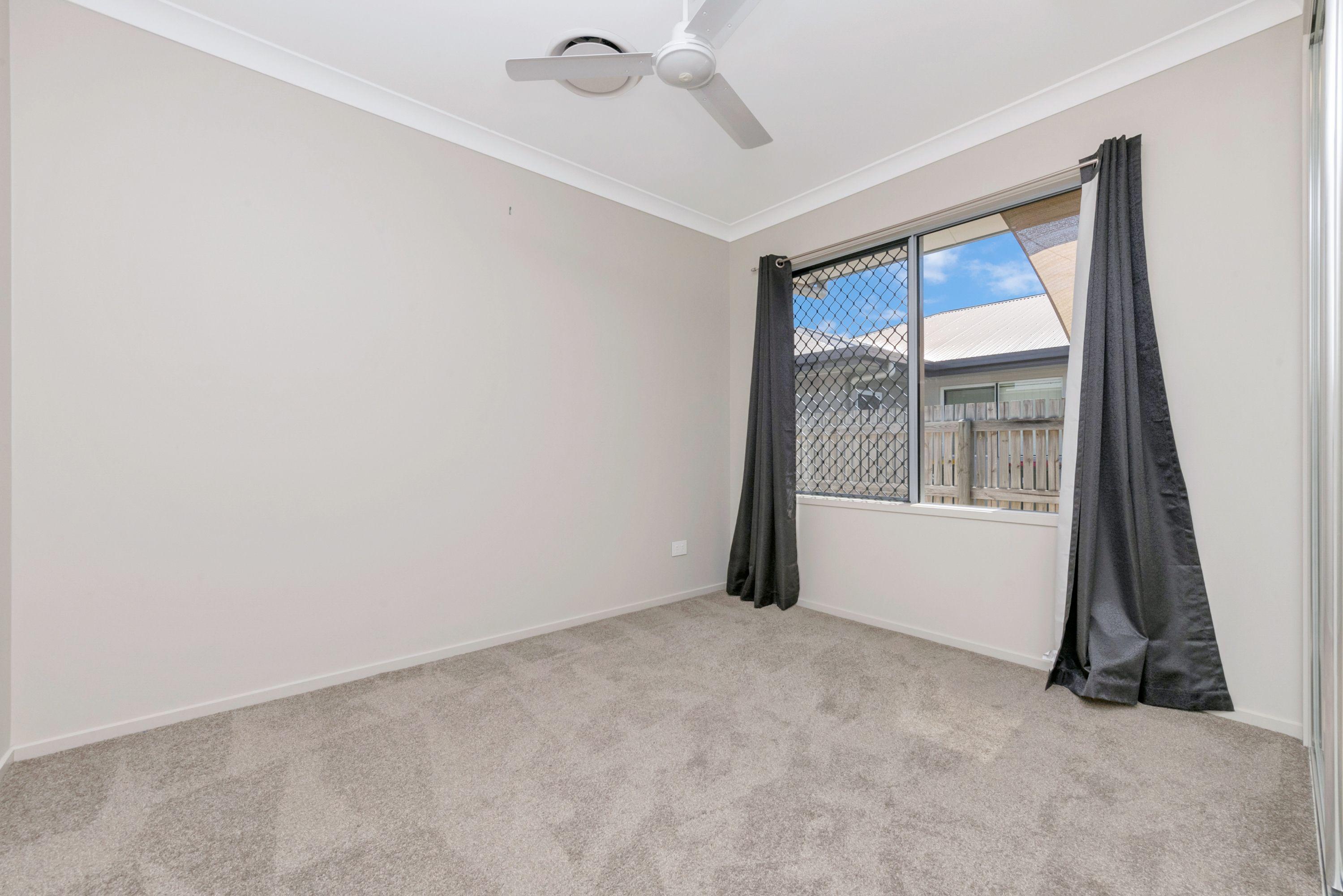 19 Bookara Gum Crescent, Mount Low, QLD 4818