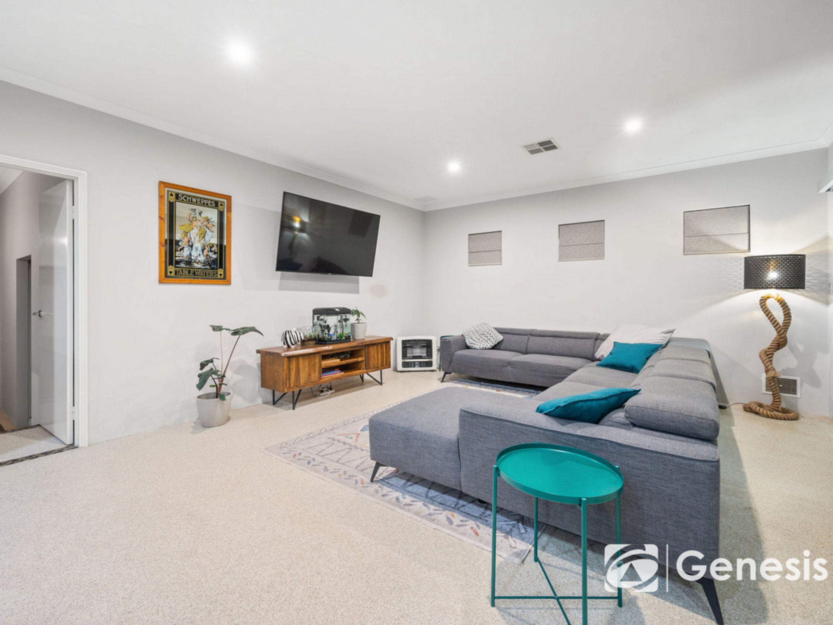 14 Cupello Drive, Swan View, WA 6056
