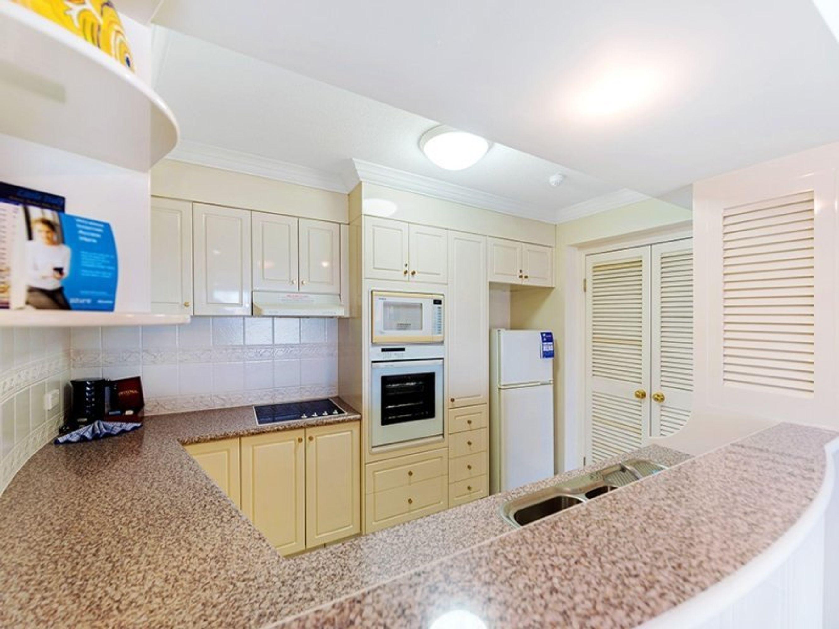 2304/24 Queensland Avenue, Broadbeach, QLD 4218