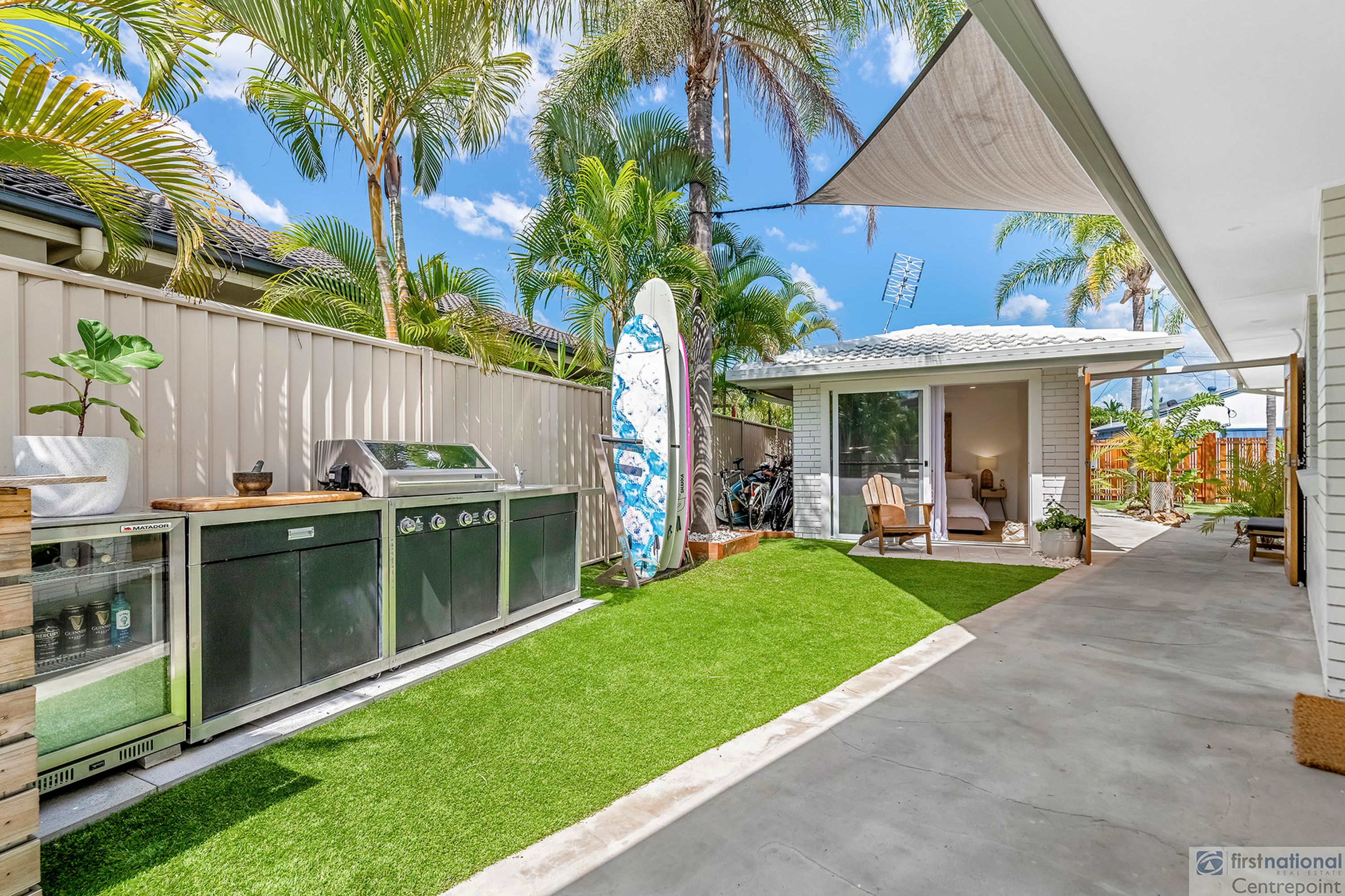 4 Chianti Avenue, Mermaid Waters, QLD 4218