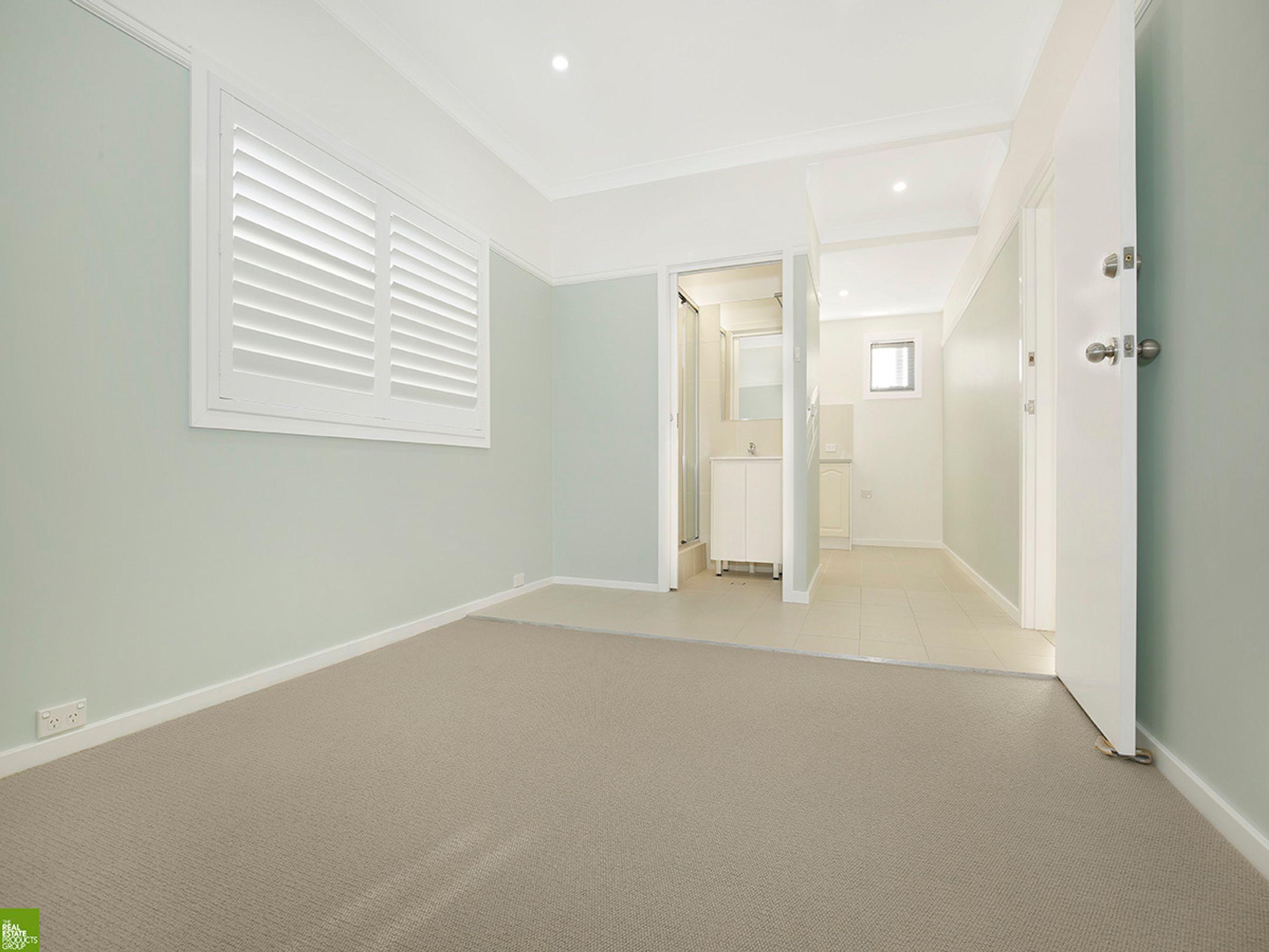 28 Pooraka Avenue, West Wollongong, NSW 2500
