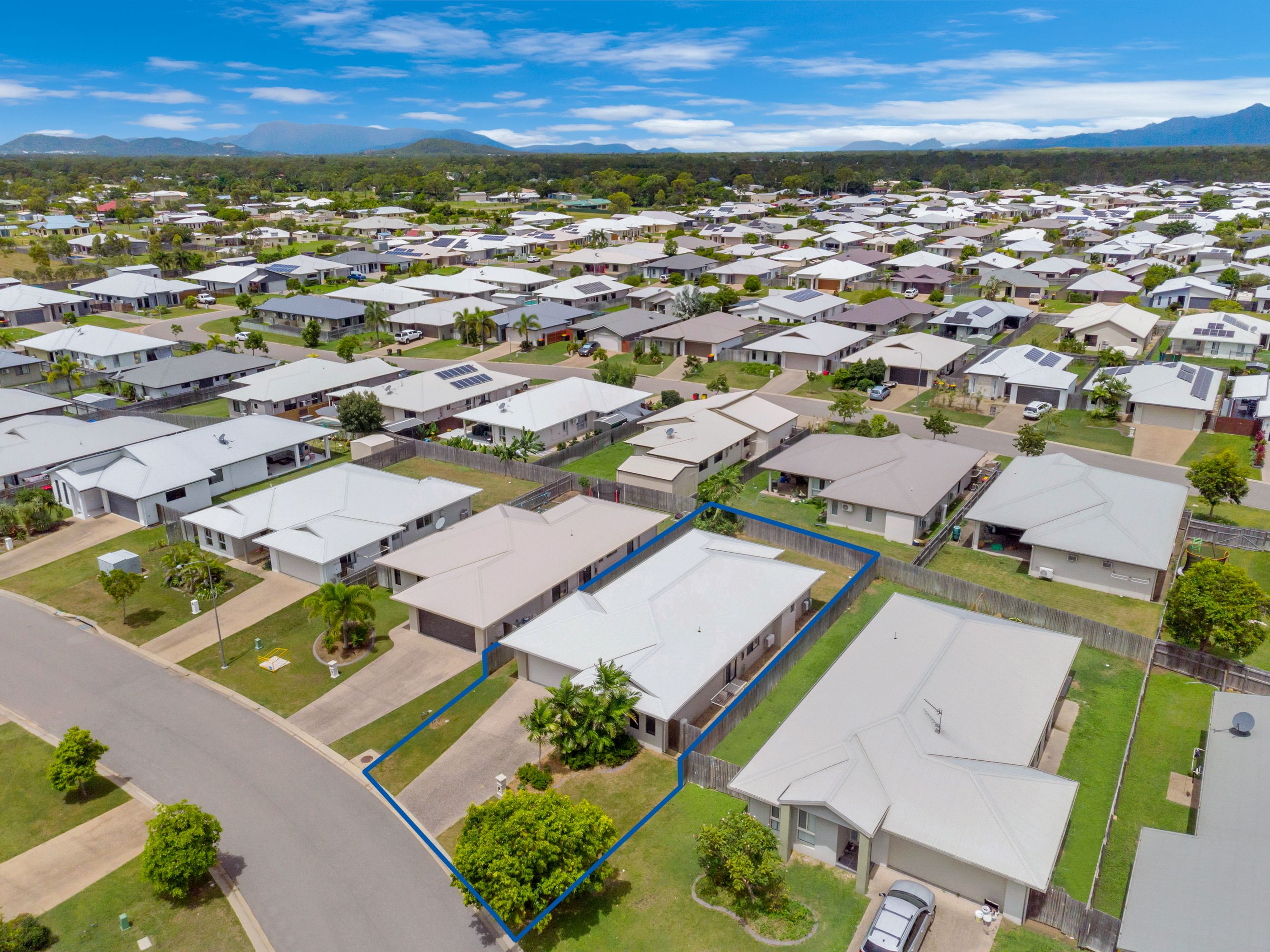 20 Barratonia Way, Mount Low, QLD 4818