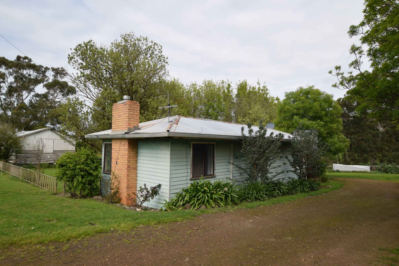 27 Boggy Creek Road, Curdievale, VIC 3268