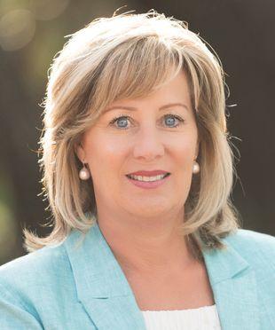 Connie Stewart AREINZ