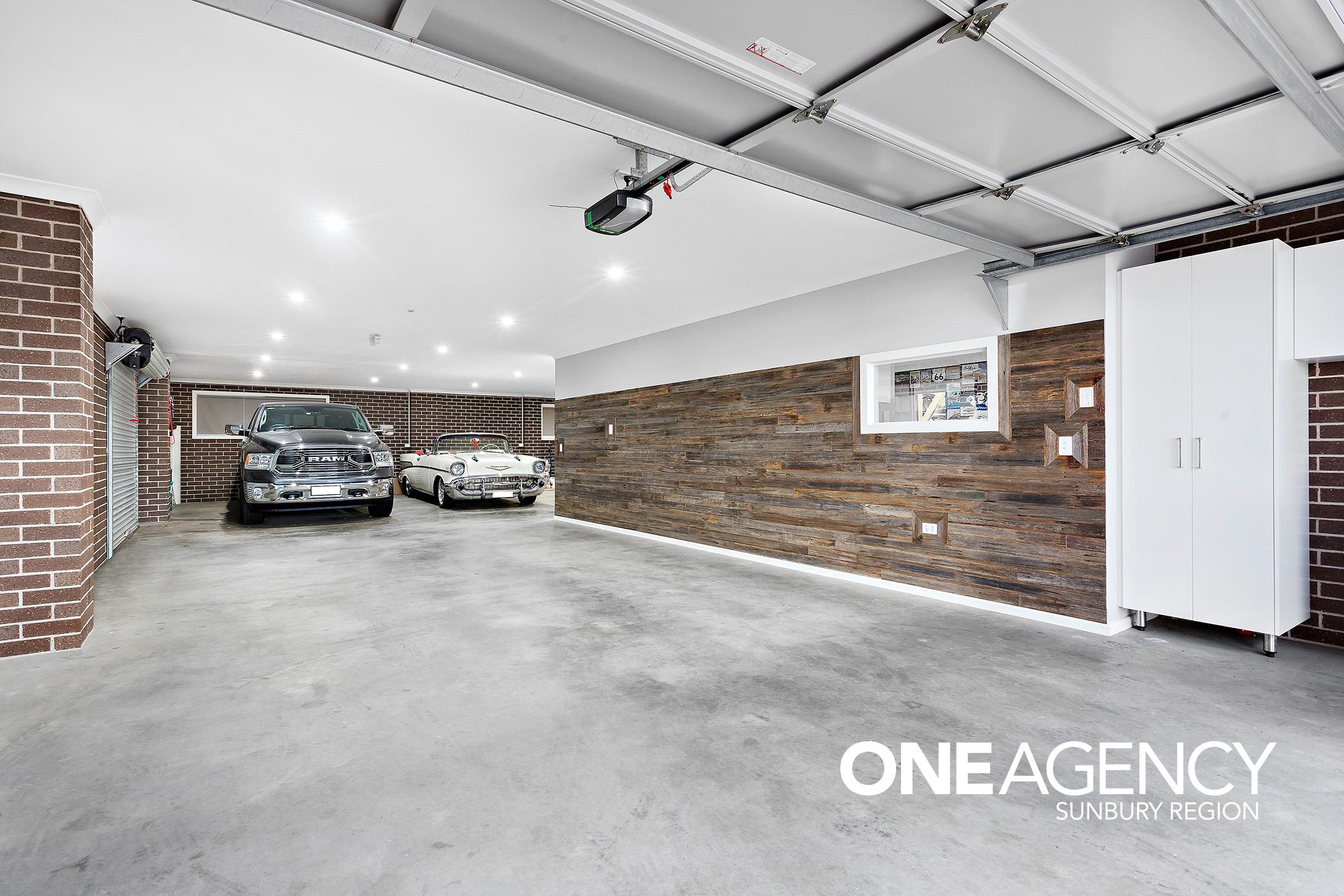 12 Garage