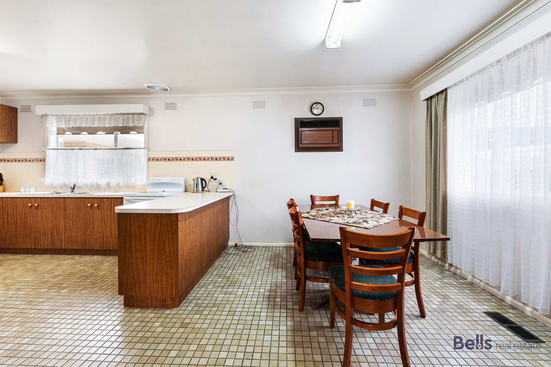 5 Dining & Kitchen