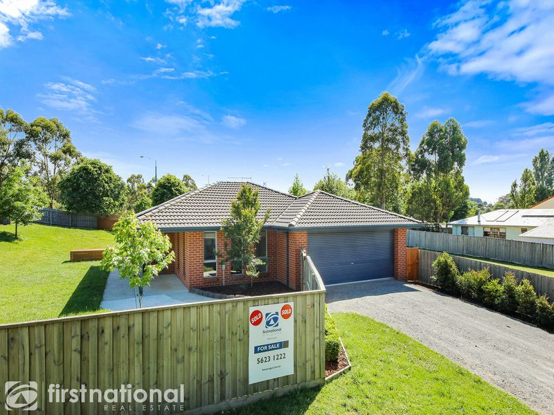 9-11 Young Street, Darnum, VIC 3822