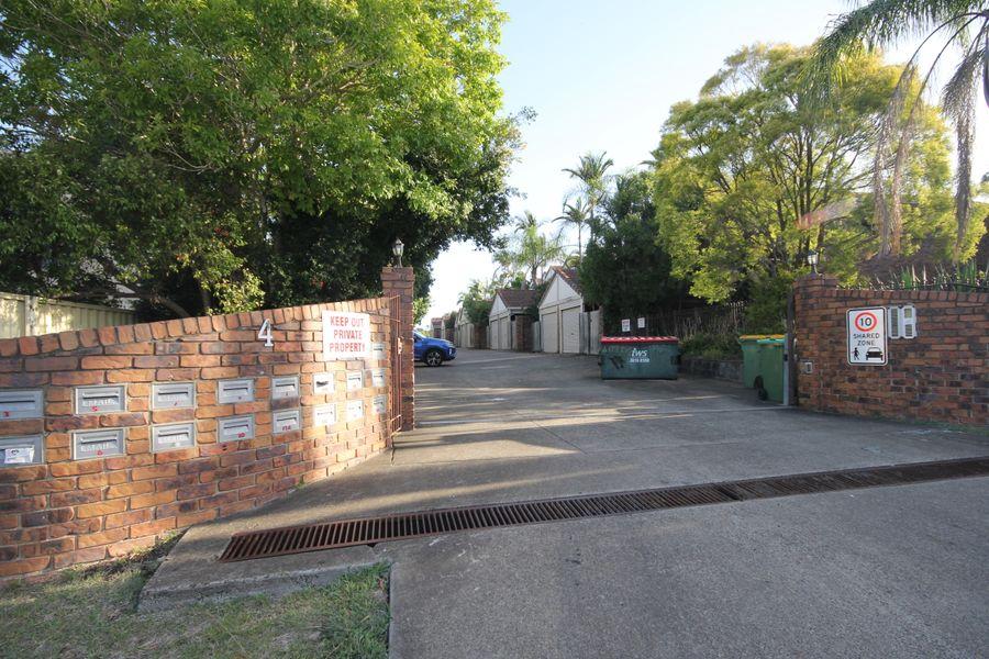 1/4 Lillian Street, Redbank Plains, QLD 4301