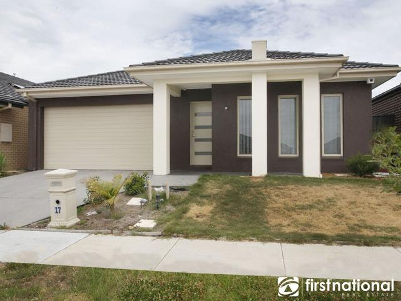 17 Peregrine Street, Cranbourne North, VIC 3977