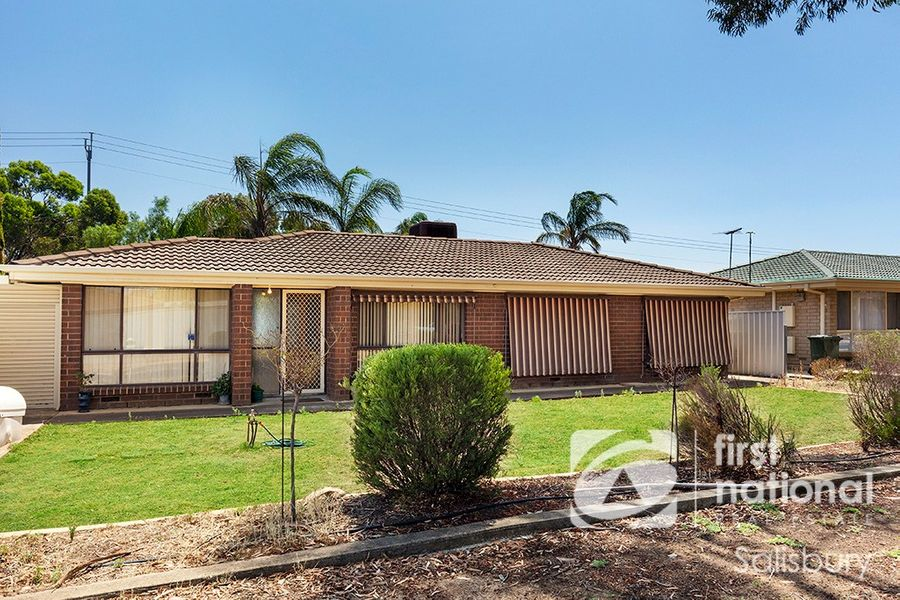 11 Cochrane Road, Salisbury North, SA 5108
