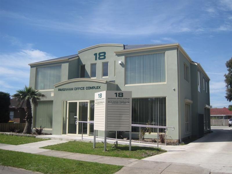 18 Main Street, Pakenham, VIC 3810