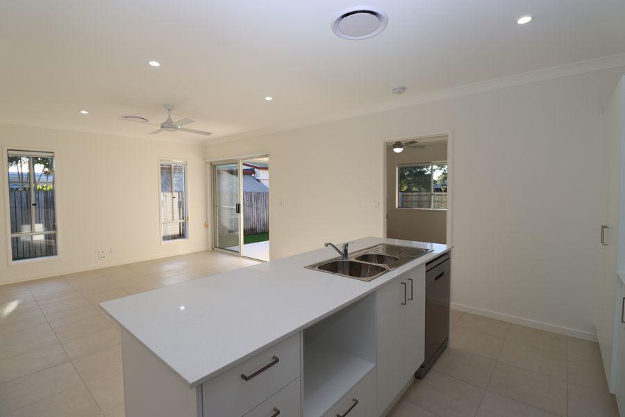 2/138 Exeter Street, Torquay, QLD 4655