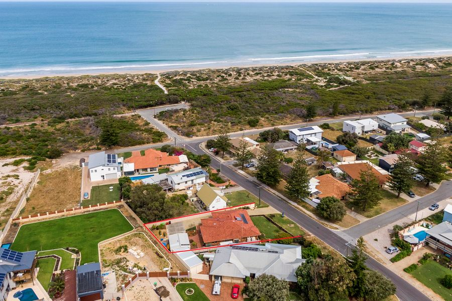 8 Crystaluna Drive, Golden Bay, WA 6174