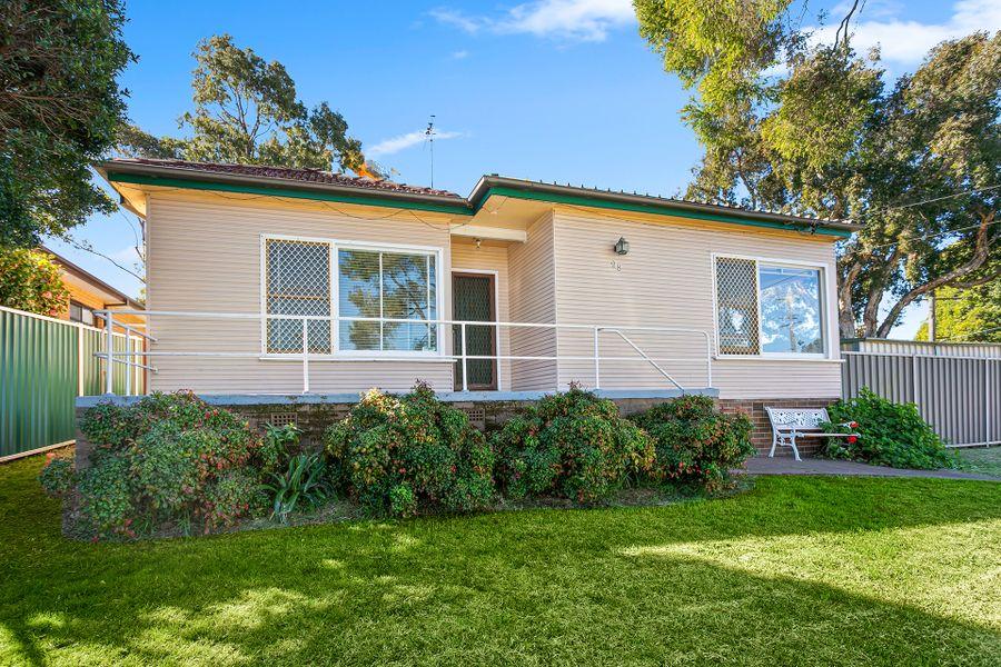 28 Hannons Avenue, Peakhurst, NSW 2210