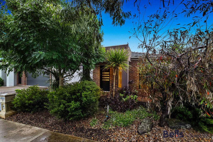 37 Surrey Grove, Point Cook, VIC 3030