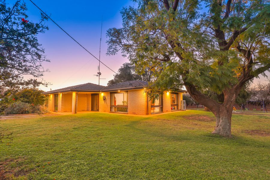 806 Coorong Avenue, Red Cliffs, VIC 3496