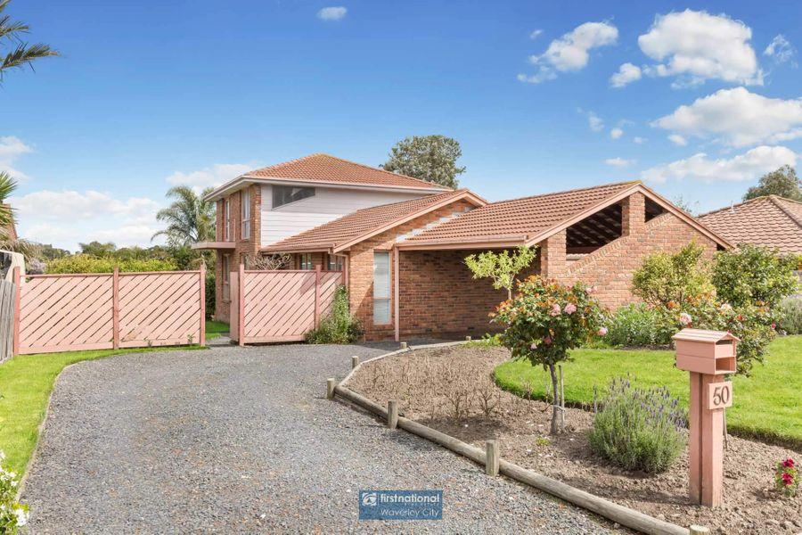 50 Kenross Drive, Wheelers Hill, VIC 3150