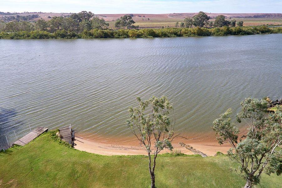 10 South Bokara Road, Mypolonga, SA 5254