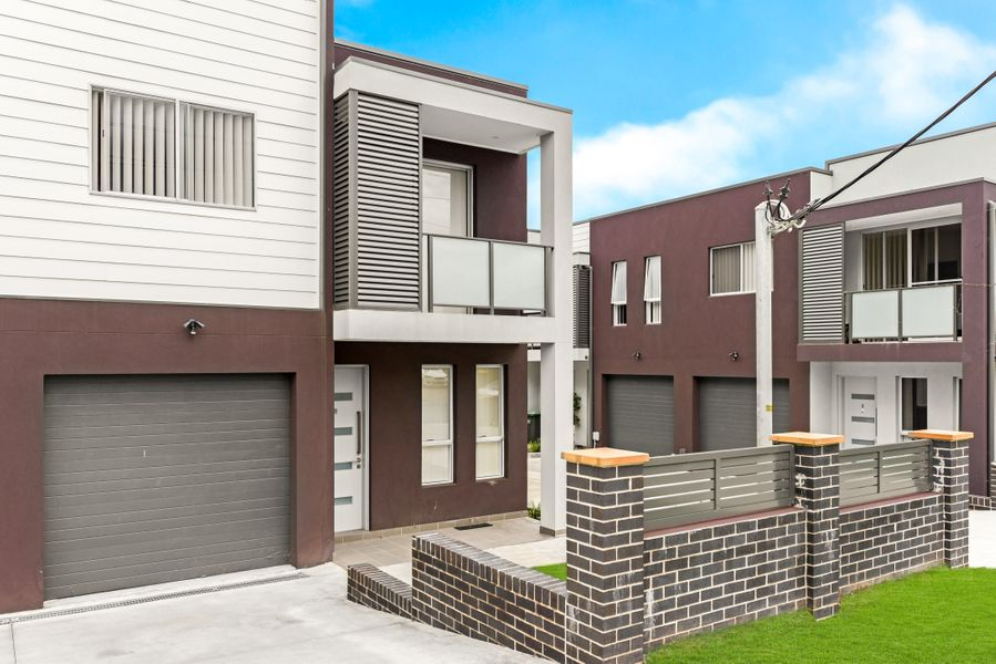8/1-3 Lang Road, Casula, NSW 2170