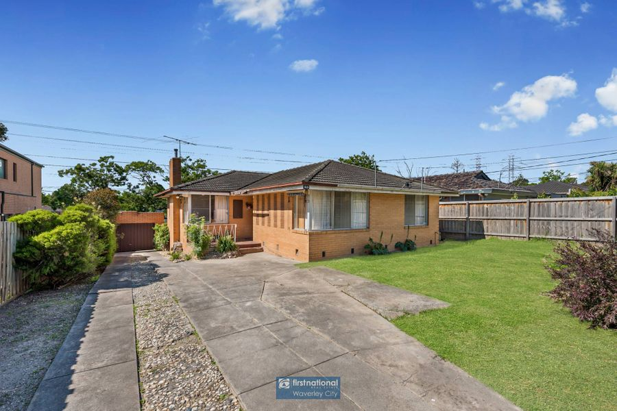 23 Sampson Drive, Mount Waverley, VIC 3149