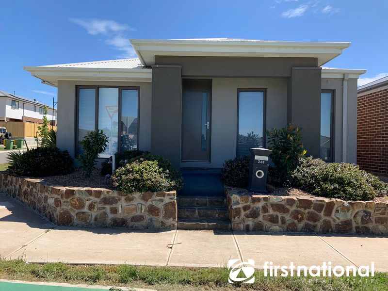 241 Pink Hill Boulevard, Officer, VIC 3809
