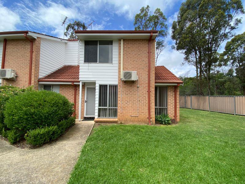 11/11 Mundarda Place, St Helens Park, NSW 2560