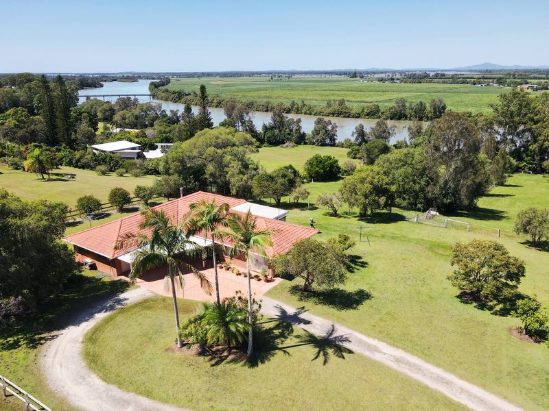 25 Ibis Close, Woombah, NSW 2469