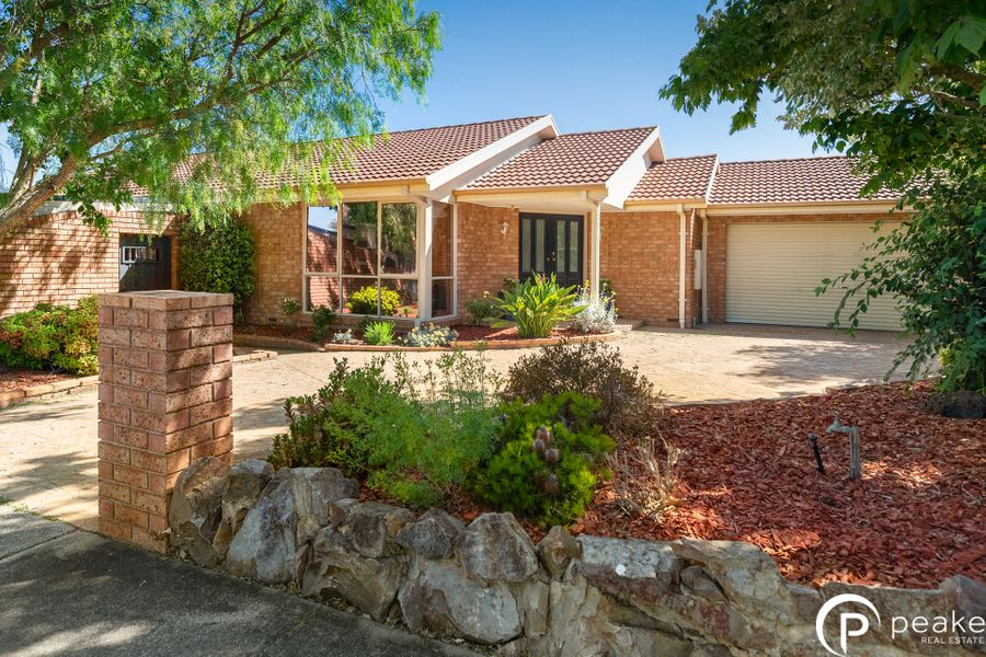 1 Lily Vale Close, Berwick, VIC 3806