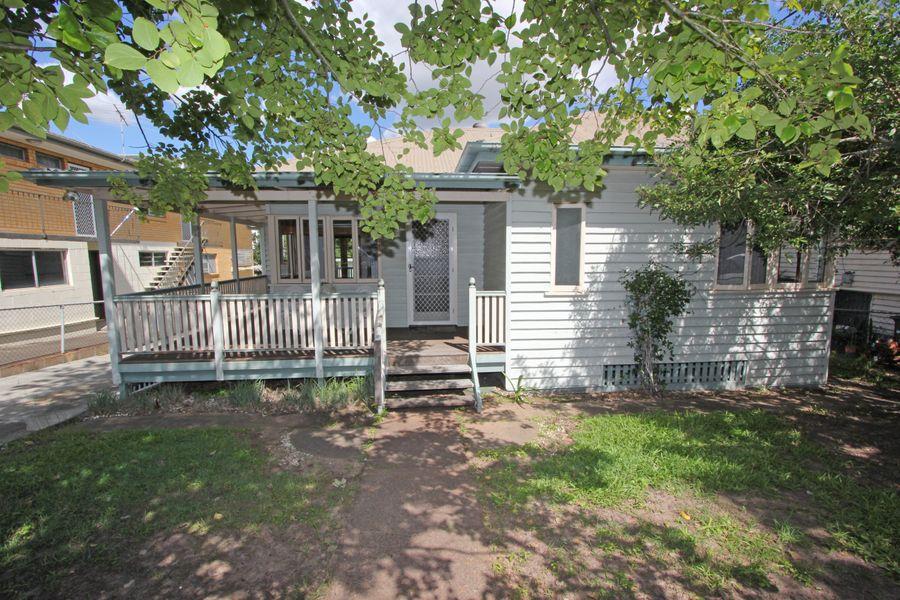 12 Dunlop Terrace, Corinda, QLD 4075